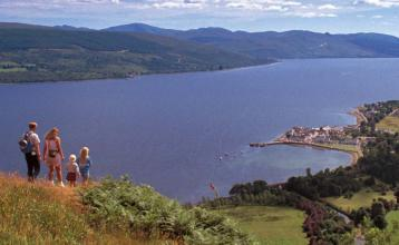 Image: Inveraray and Loch Fyne. Credit: Image used with permission from VisitScotland and Scottish Viewpoint.
