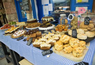 Cakes and scones at Singl-end Cafe & Bakehouse