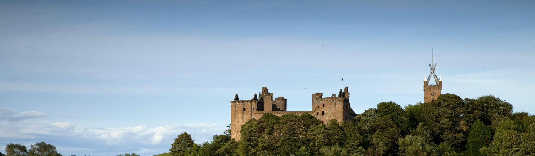 Image: Linlithgow Palace. Credit: Image used with permission from VisitScotland and Scottish Viewpoint.
