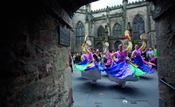 Dancers_at_the_Edinburgh_Festival_Fringe_original
